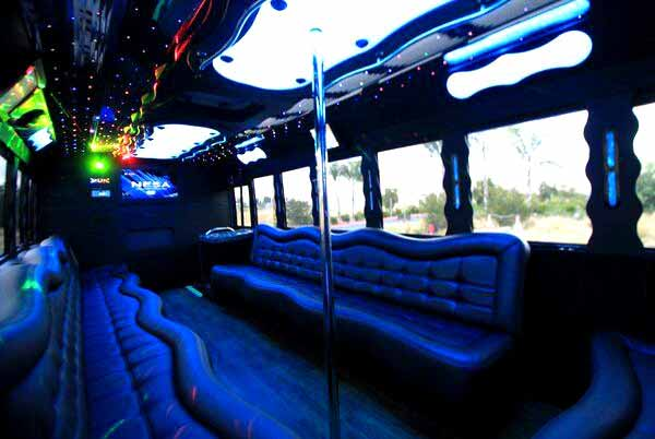 40 people party bus Monument