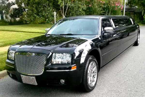 Chrysler 300 limo Black Forest