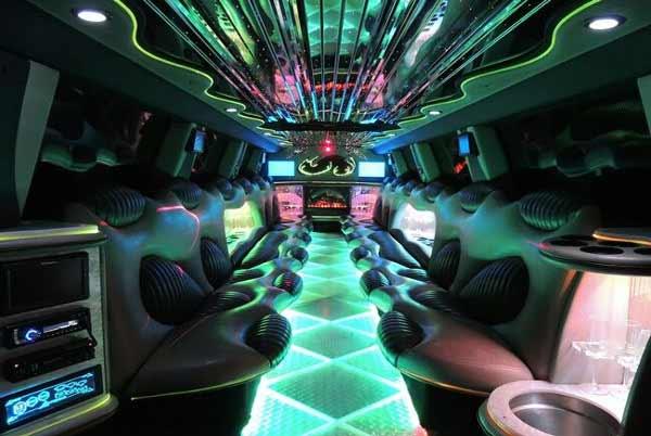 Hummer limo interior Elizabeth