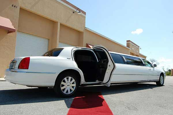 lincoln stretch limousine Monument