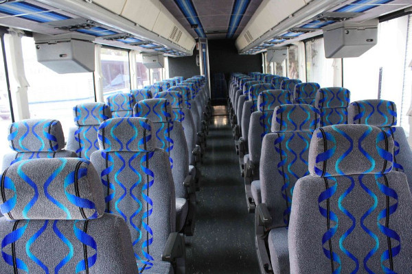 30-person-shuttle-bus-rental-manitou-springs